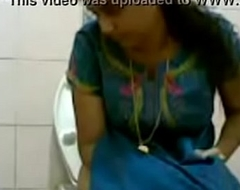 VID-20160514-PV0001-Pandharpur (IM) Hindi 34 yrs old beautiful, hot and sexy unmarried girl pissing in toilet sex porn video
