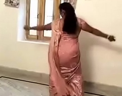 Sexy Hot Aunty mode Desi Mujra