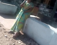 SATIN SILK SARE AUNTY FINGERING Take PUBLIC